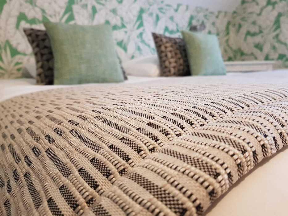 Décoration d''une chambre d'hôtel Les Agapanthes -Ploubazlanec (22) 8003437229068619893482157092268449228914688o